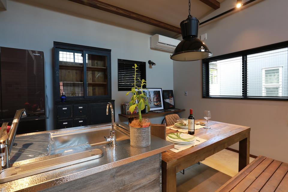 福井でかっこいい家をつくるガウディの施工例 TOYOキッチン