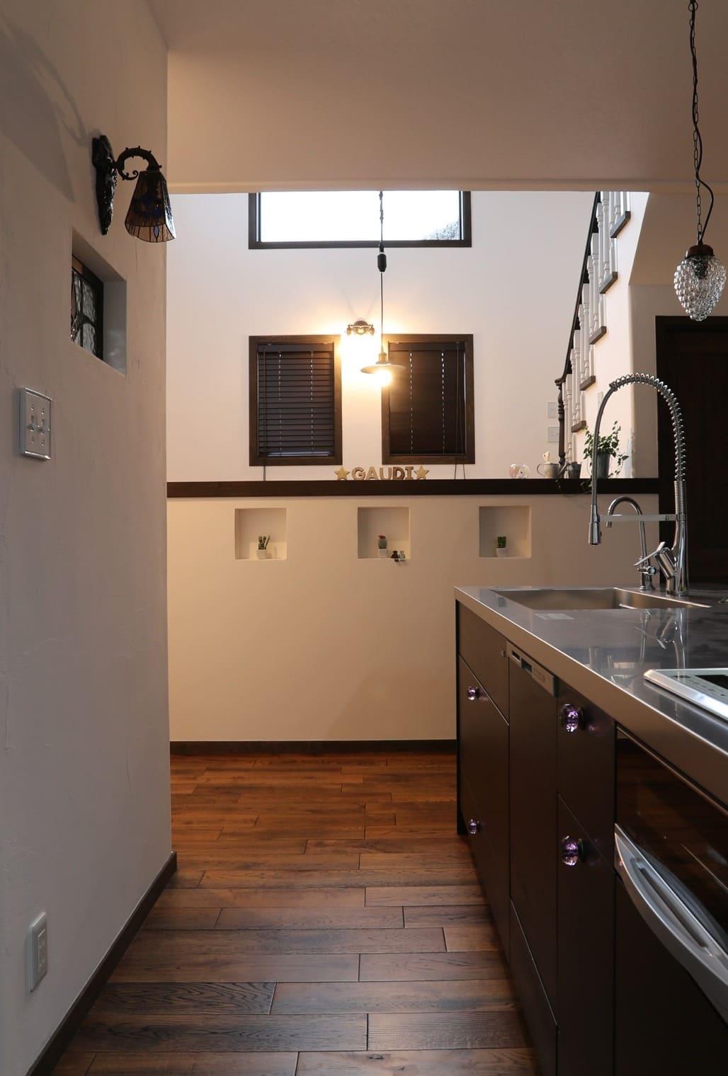 福井でかっこいい家をつくるガウディの施工例 3連ニッチの施工例